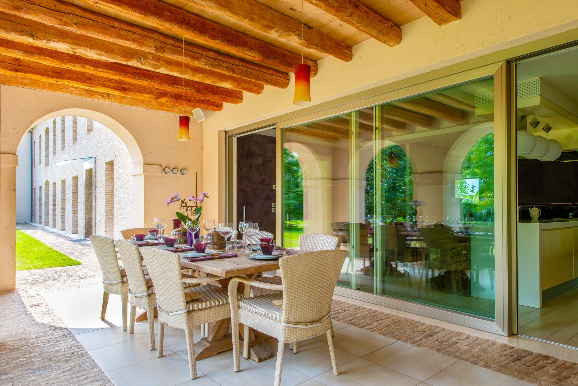 Villa Lion patio