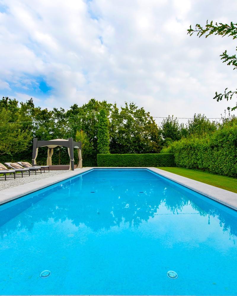 Villa Lion piscina