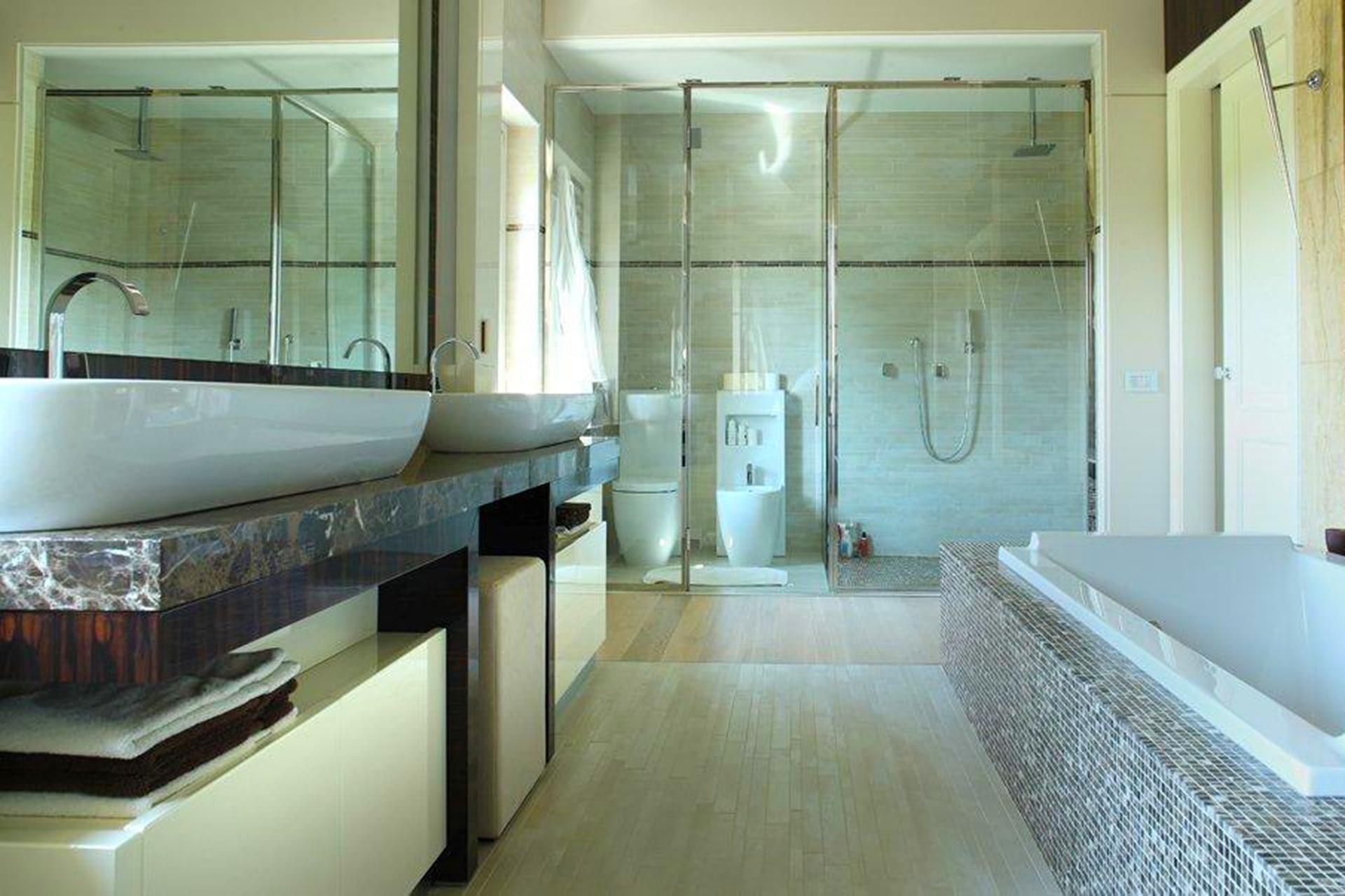 Villa Lion modern rooms bagno